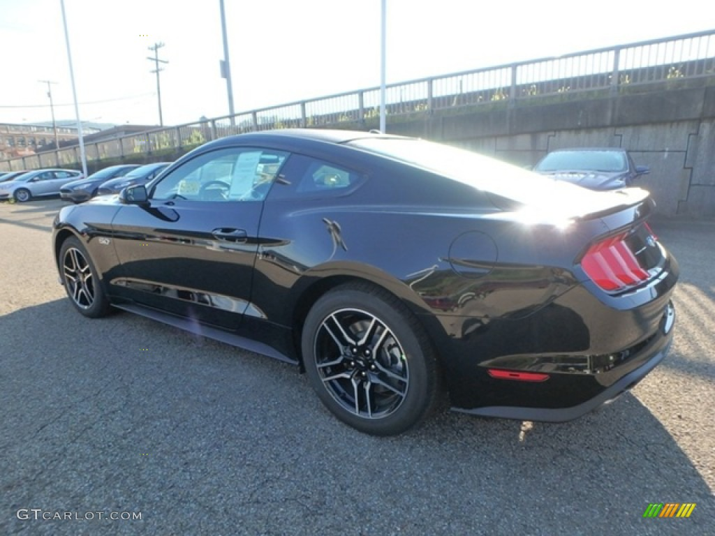 2019 Mustang GT Fastback - Shadow Black / Ebony photo #4