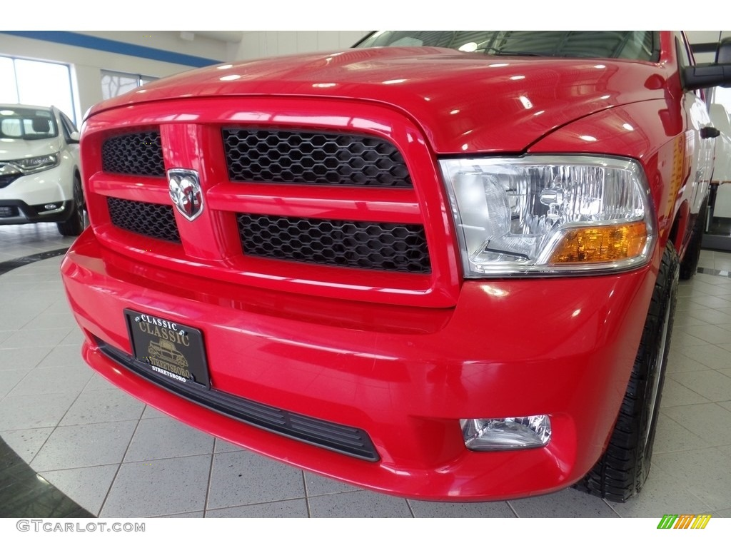 2012 Ram 1500 Express Crew Cab 4x4 - Flame Red / Dark Slate Gray/Medium Graystone photo #7