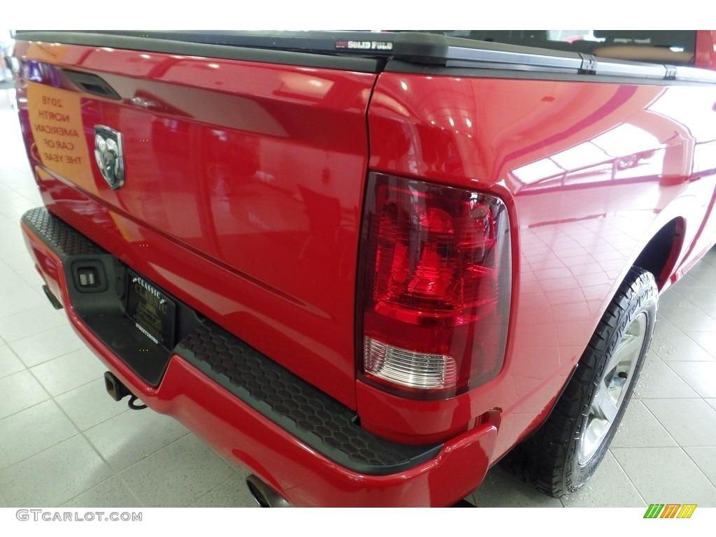 2012 Ram 1500 Express Crew Cab 4x4 - Flame Red / Dark Slate Gray/Medium Graystone photo #10