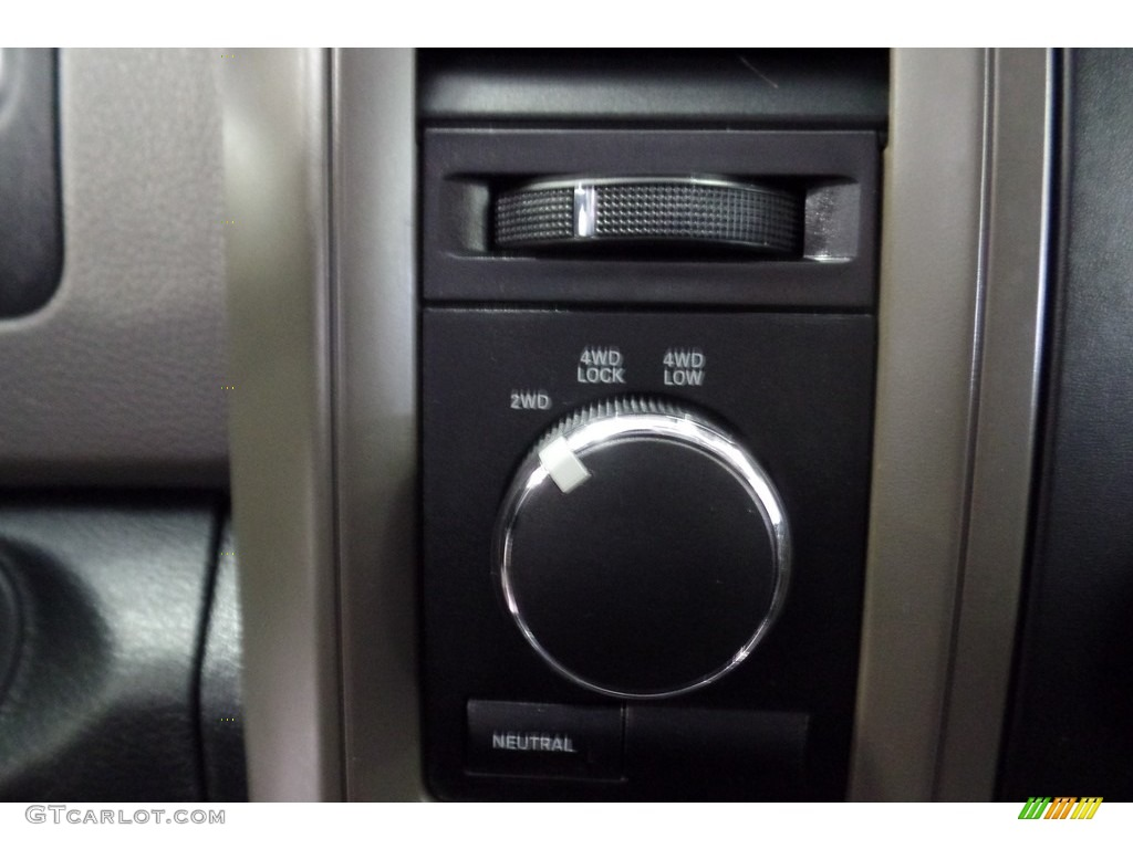 2012 Ram 1500 Express Crew Cab 4x4 - Flame Red / Dark Slate Gray/Medium Graystone photo #28