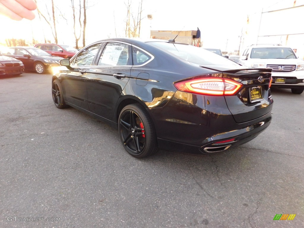 2013 Fusion Titanium AWD - Tuxedo Black Metallic / Charcoal Black photo #9