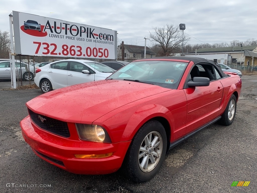 2007 Mustang V6 Deluxe Convertible - Torch Red / Dark Charcoal photo #2