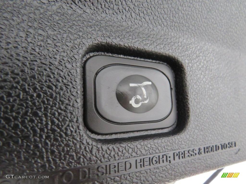 2016 Explorer XLT 4WD - Ingot Silver Metallic / Ebony Black photo #18