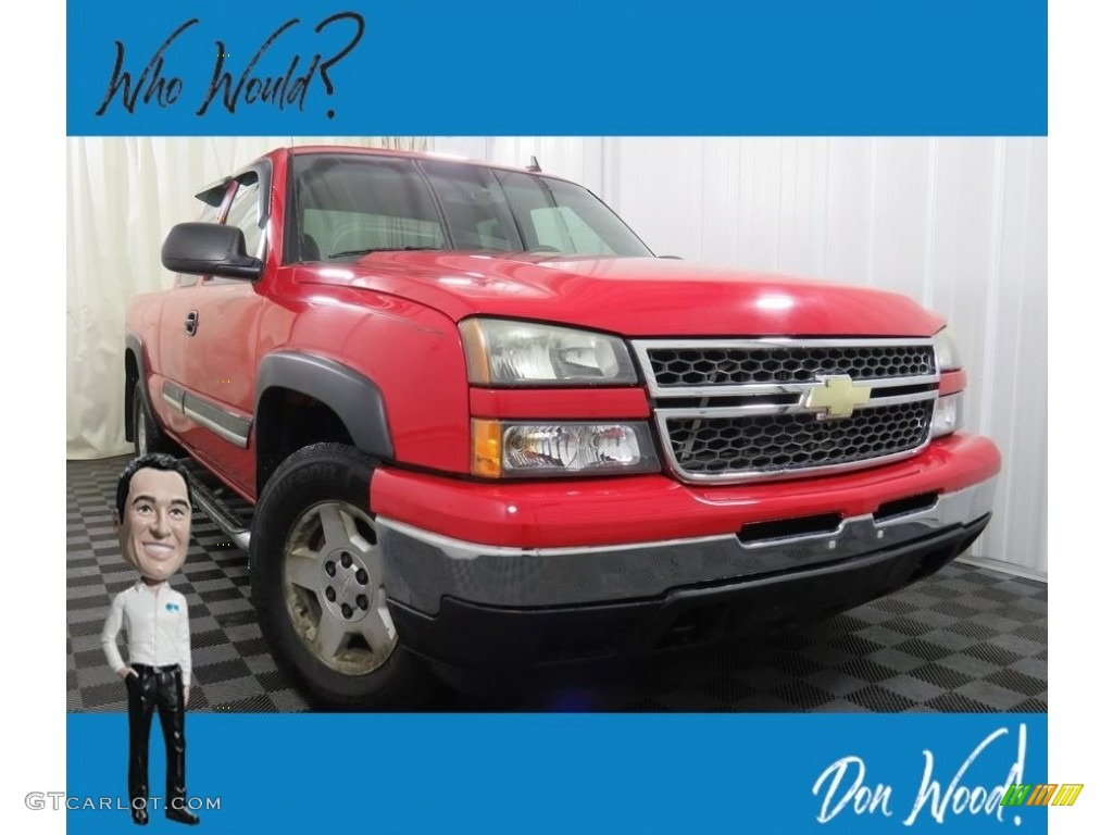 2007 Silverado 1500 Classic LT Extended Cab 4x4 - Victory Red / Dark Charcoal photo #1