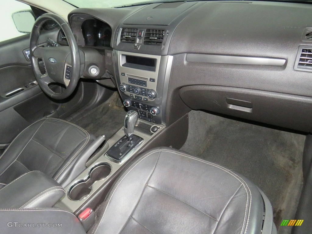 2010 Fusion SEL V6 - Tuxedo Black Metallic / Charcoal Black photo #42