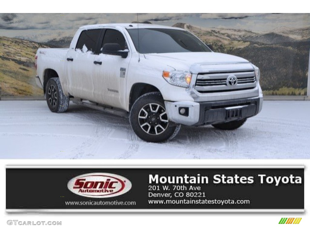 2017 Tundra SR5 CrewMax 4x4 - Super White / Black photo #1