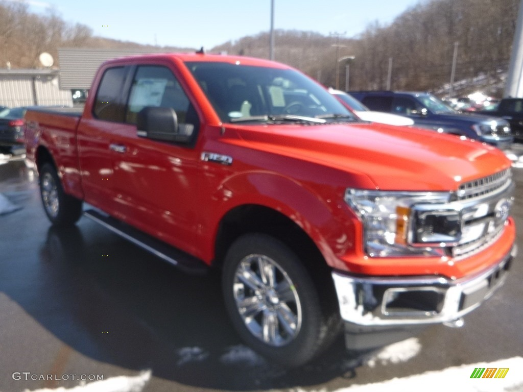 2019 F150 XLT SuperCab 4x4 - Race Red / Earth Gray photo #3