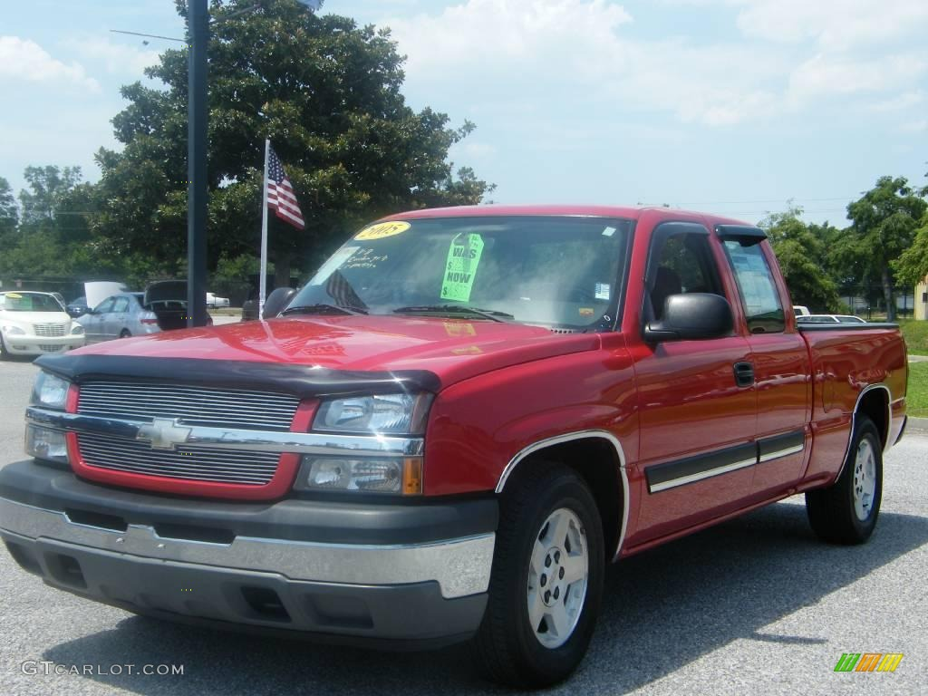 2005 Silverado 1500 LS Extended Cab - Victory Red / Medium Gray photo #1