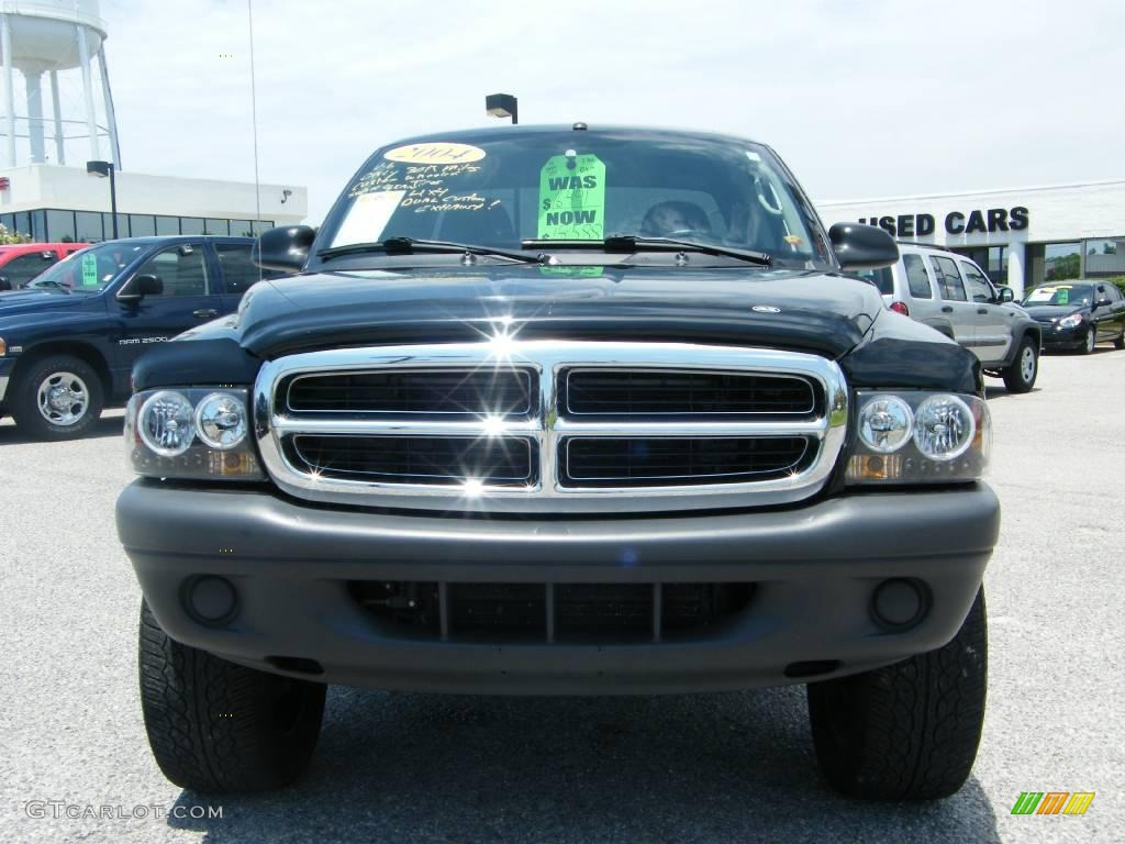 2004 Dakota SXT Club Cab 4x4 - Black / Dark Slate Gray photo #8