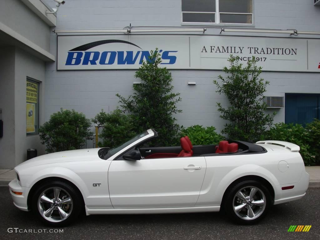 2006 Mustang GT Premium Convertible - Performance White / Red/Dark Charcoal photo #1