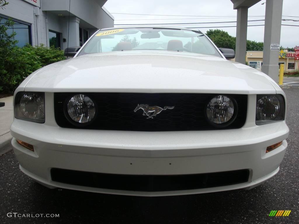 2006 Mustang GT Premium Convertible - Performance White / Red/Dark Charcoal photo #2