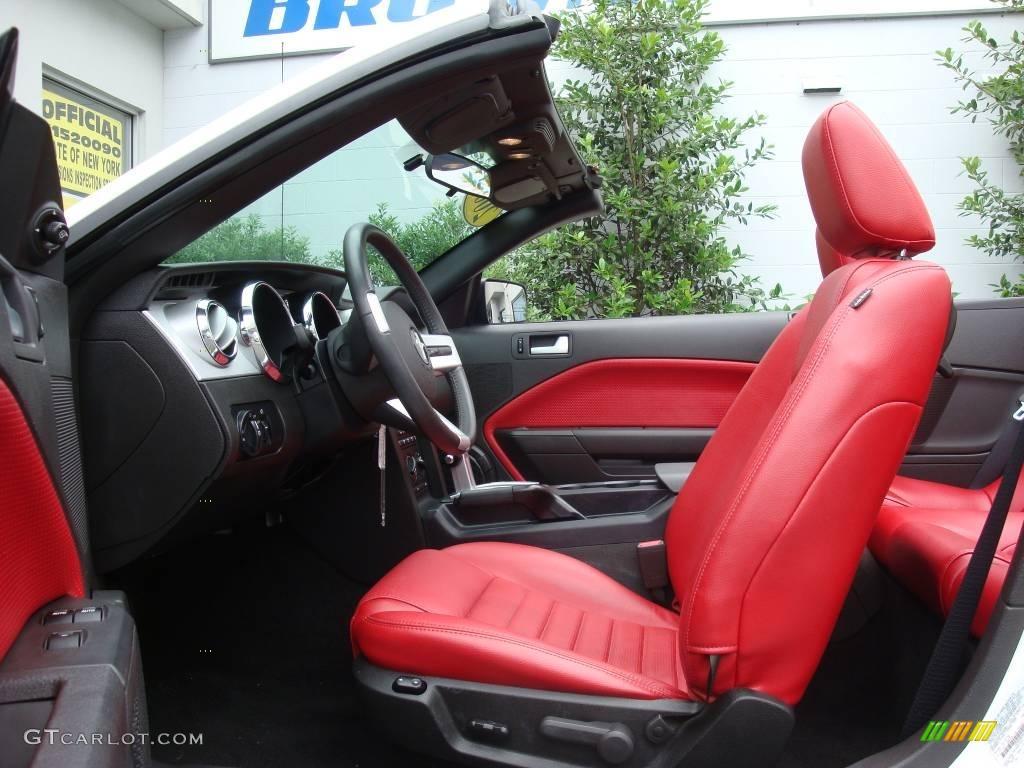 2006 Mustang GT Premium Convertible - Performance White / Red/Dark Charcoal photo #10