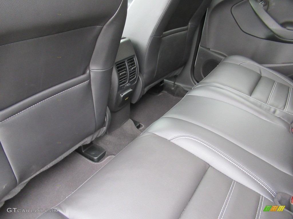 2018 Escape Titanium 4WD - White Platinum / Charcoal Black photo #10