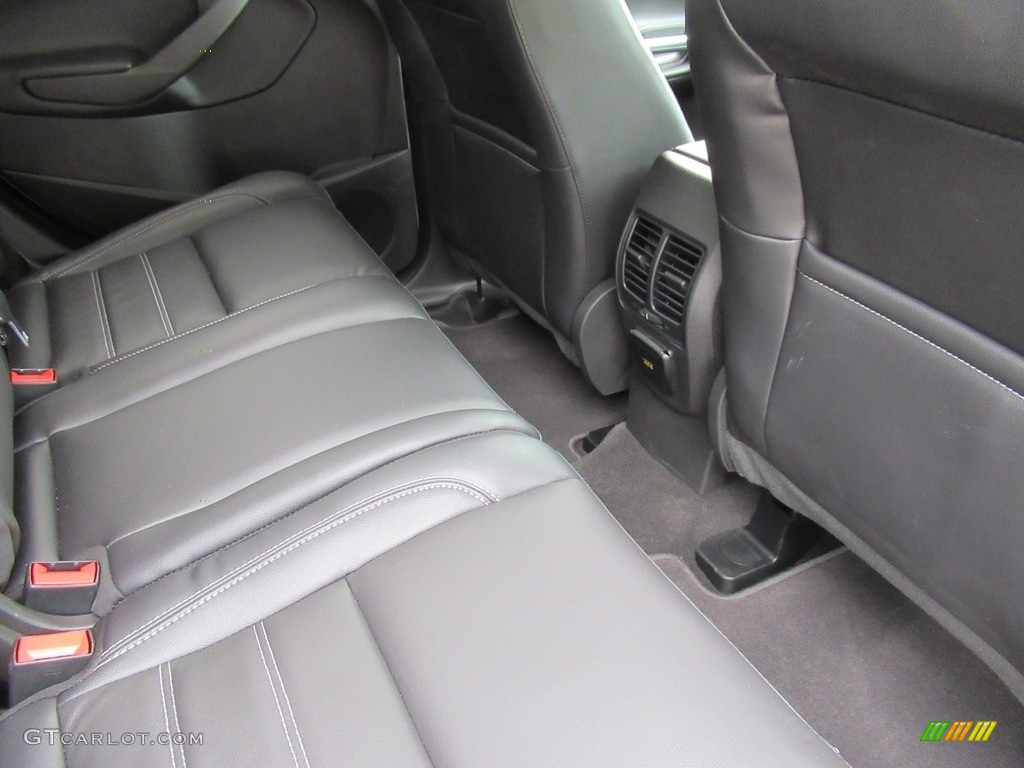 2018 Escape Titanium 4WD - White Platinum / Charcoal Black photo #12
