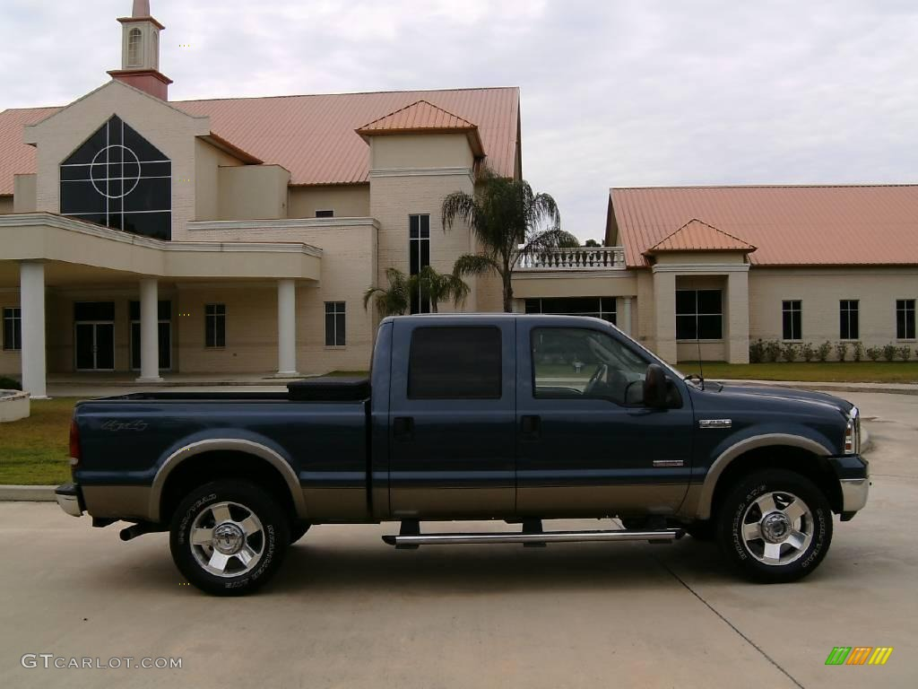 2007 medium wedgewood blue metallic ford f250 super duty lariat crew cab 4x4 13309784 photo 2. Black Bedroom Furniture Sets. Home Design Ideas
