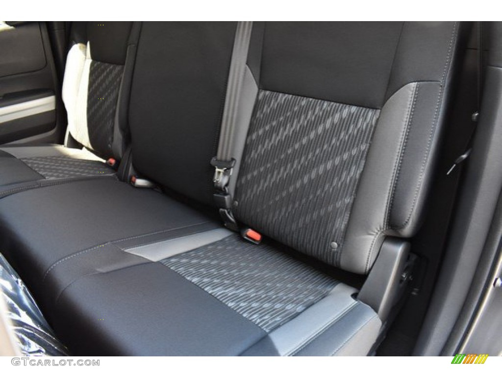 2019 Tundra SR5 Double Cab 4x4 - Magnetic Gray Metallic / Black photo #9