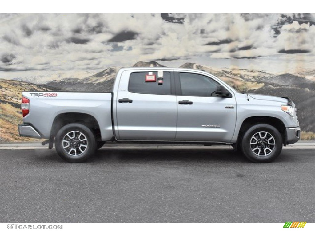 2016 Tundra SR5 CrewMax 4x4 - Silver Sky Metallic / Black photo #2