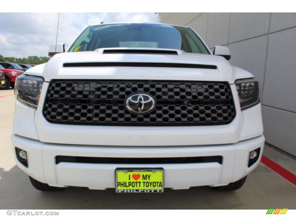 2019 Tundra SR5 CrewMax 4x4 - Super White / Graphite photo #3