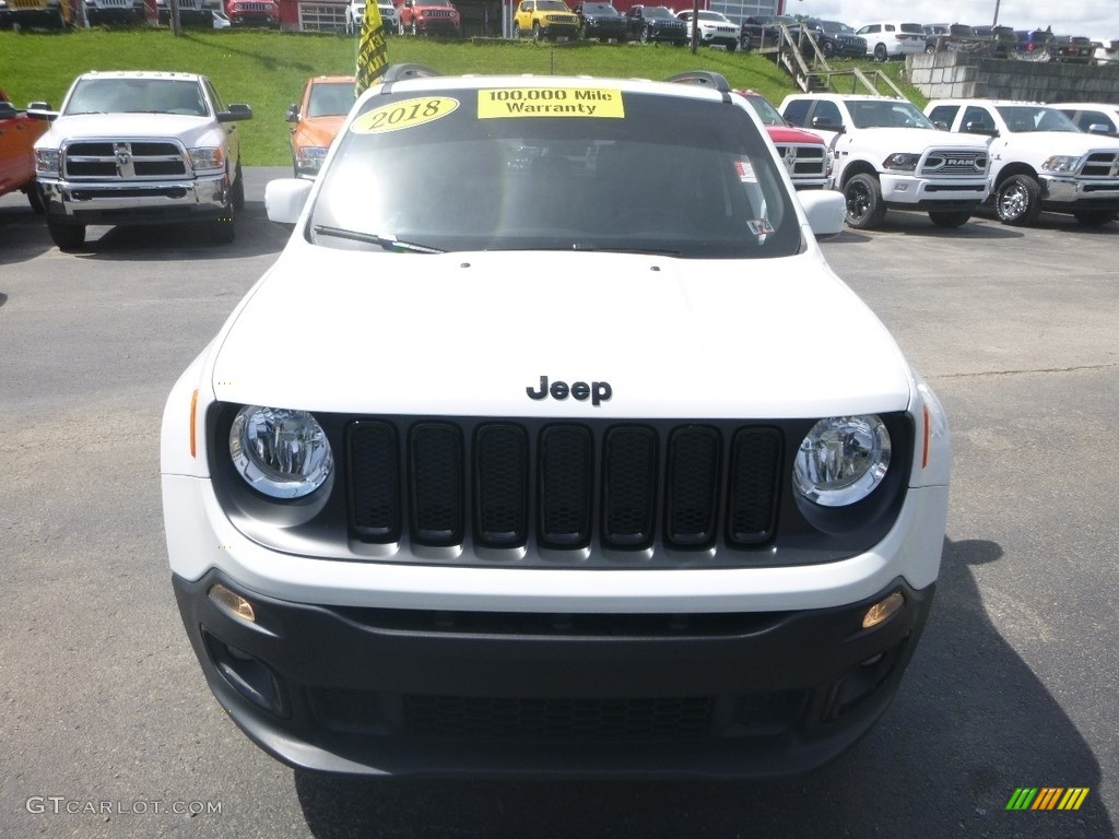 2018 Renegade Latitude 4x4 - Alpine White / Black photo #8