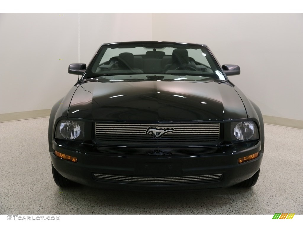 2005 Mustang V6 Premium Convertible - Black / Dark Charcoal photo #3