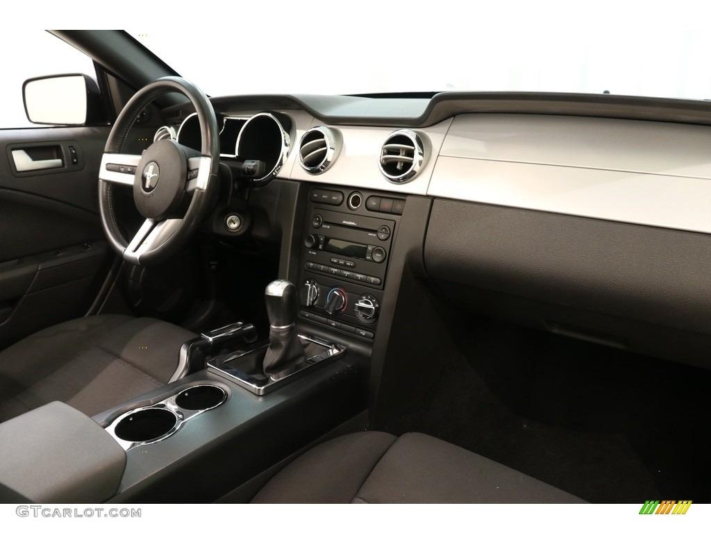 2005 Mustang V6 Premium Convertible - Black / Dark Charcoal photo #12