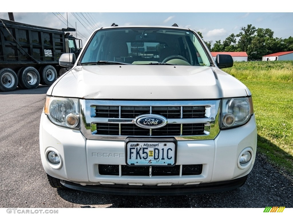 2009 Escape XLT V6 4WD - Oxford White / Camel photo #9