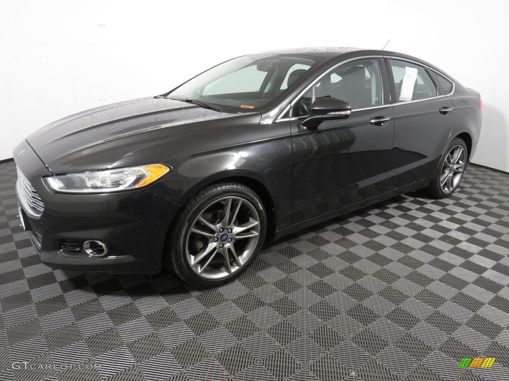 2013 Fusion Titanium AWD - Tuxedo Black Metallic / Charcoal Black photo #8