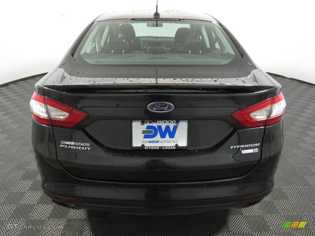 2013 Fusion Titanium AWD - Tuxedo Black Metallic / Charcoal Black photo #12