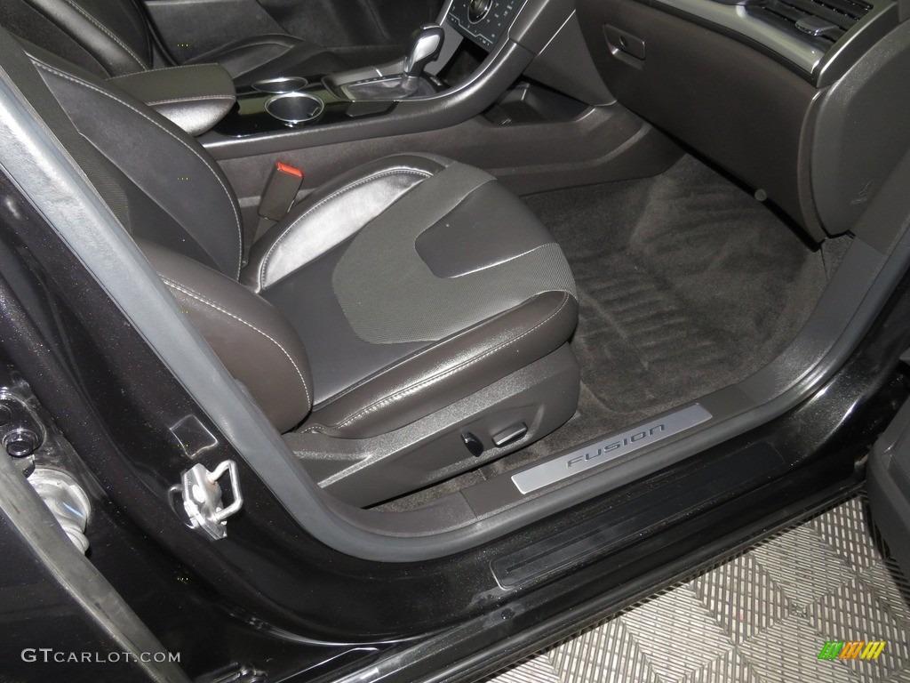 2013 Fusion Titanium AWD - Tuxedo Black Metallic / Charcoal Black photo #30