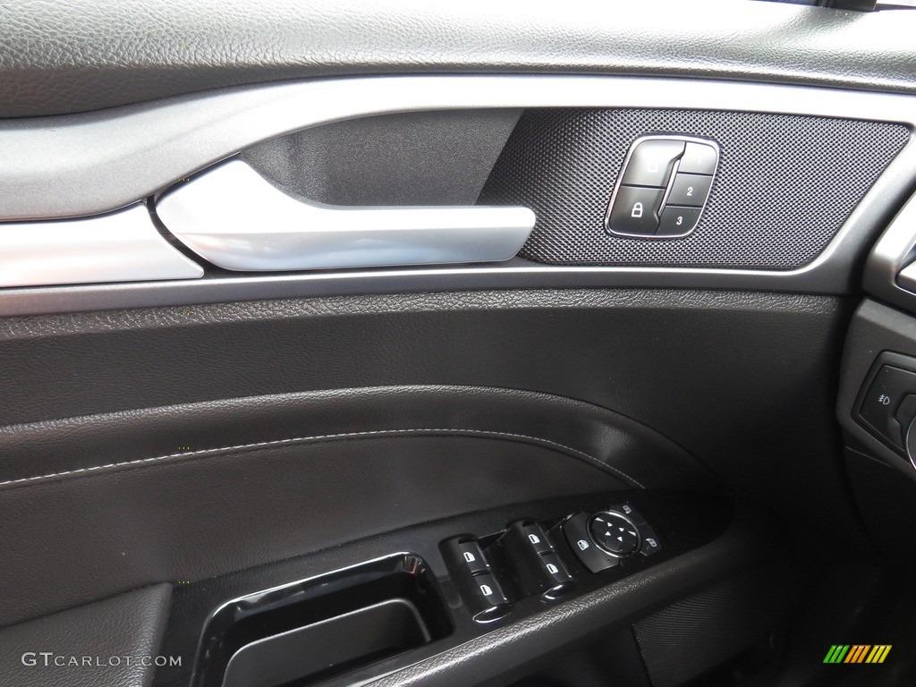 2013 Fusion Titanium AWD - Tuxedo Black Metallic / Charcoal Black photo #34
