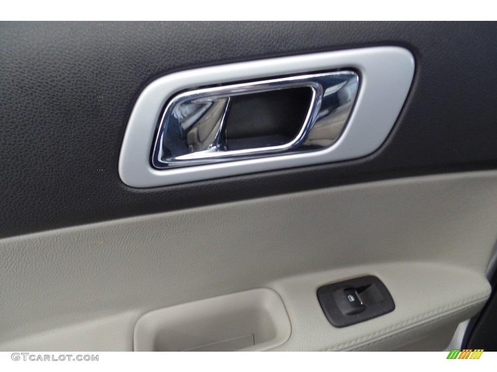 2013 Explorer XLT 4WD - Ingot Silver Metallic / Charcoal Black photo #22