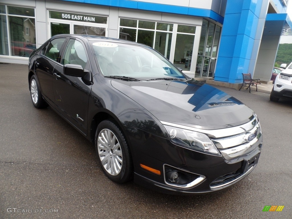 2011 Fusion Hybrid - Tuxedo Black Metallic / Charcoal Black photo #3