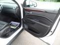 Platinum Ice Tricoat - SRX Luxury AWD Photo No. 32