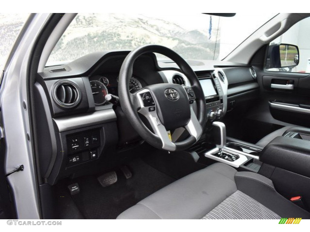 2016 Tundra SR5 CrewMax 4x4 - Silver Sky Metallic / Black photo #10