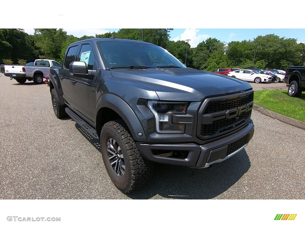 2019 F150 SVT Raptor SuperCrew 4x4 - Magnetic / Raptor Black photo #1