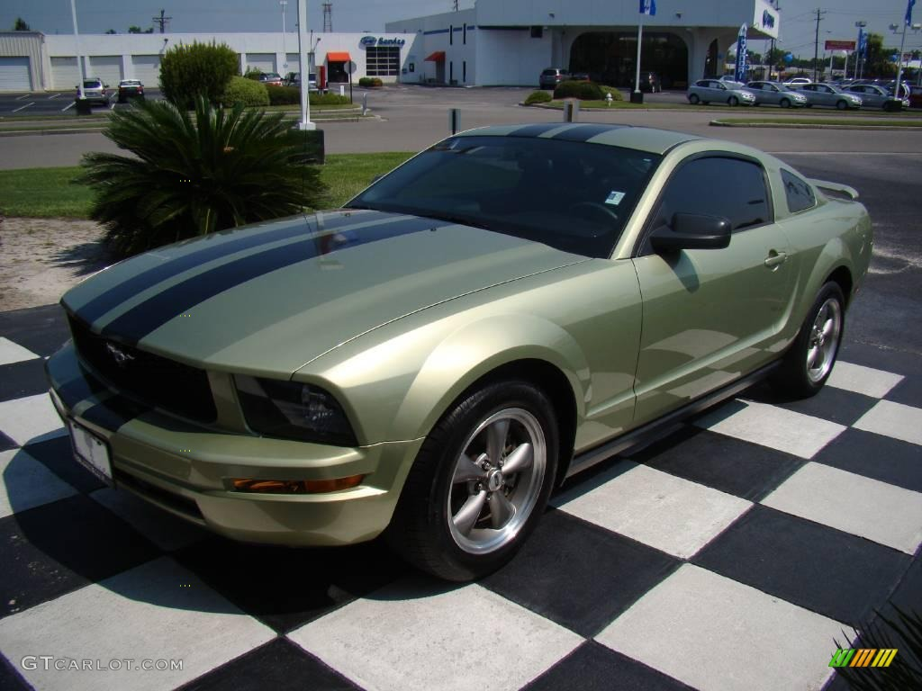 2005 Ford Mustang V6 Deluxe >> 2006 Legend Lime Metallic Ford Mustang V6 Deluxe Coupe