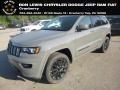 Sting-Gray 2019 Jeep Grand Cherokee Laredo 4x4