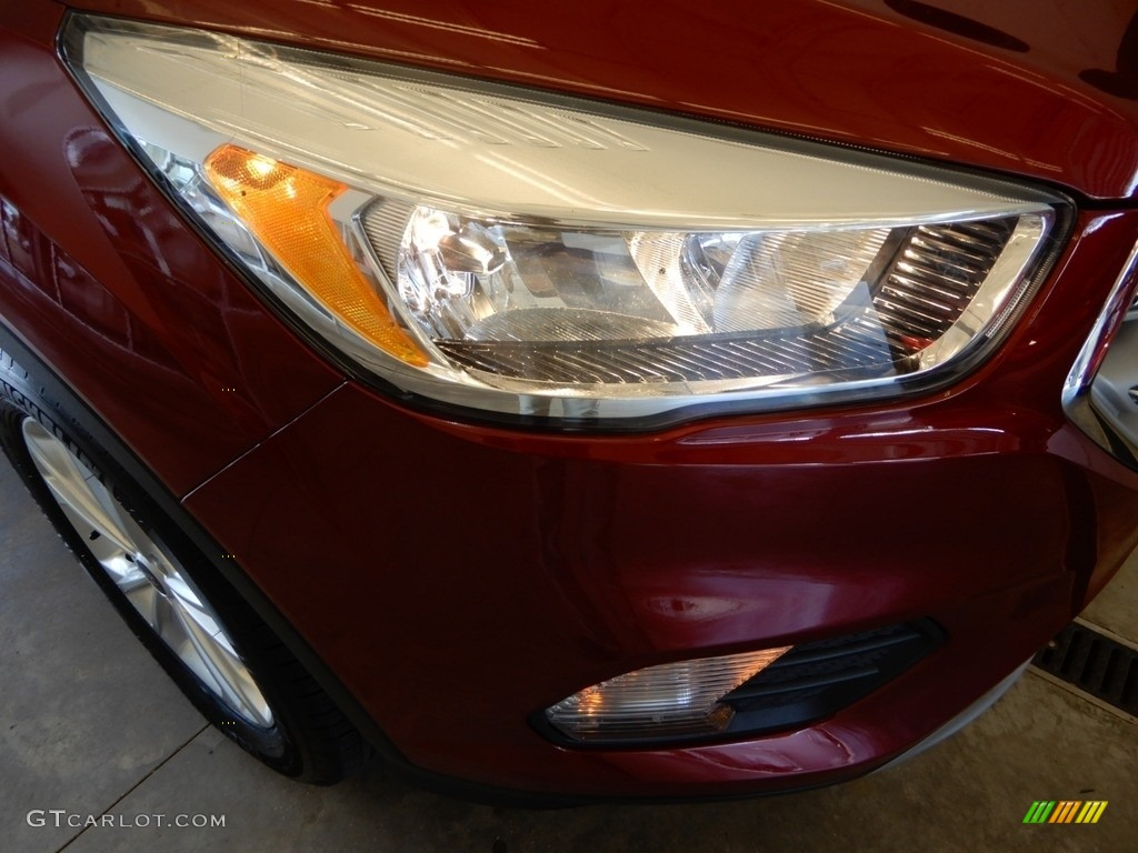 2018 Escape SE 4WD - Ruby Red / Charcoal Black photo #2