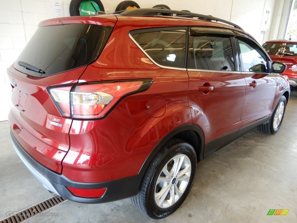 2018 Escape SE 4WD - Ruby Red / Charcoal Black photo #4