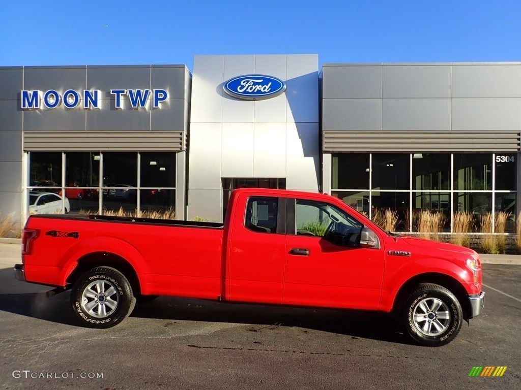 2016 F150 XL SuperCab 4x4 - Race Red / Medium Earth Gray photo #1