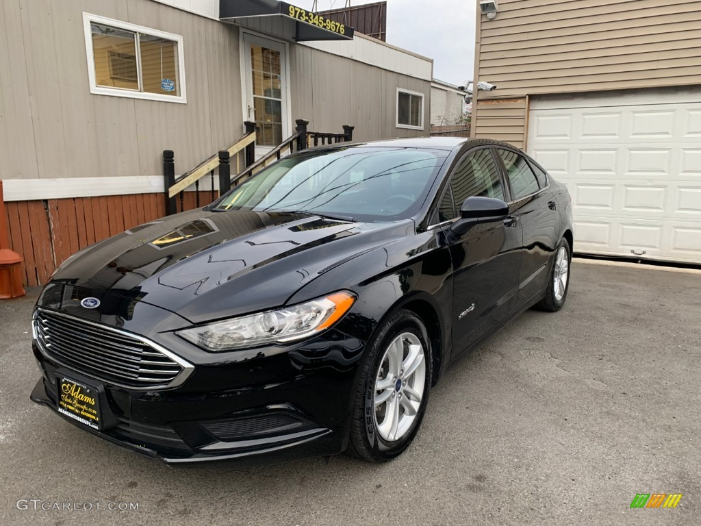 2018 Fusion Hybrid SE - Shadow Black / Ebony photo #1
