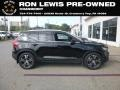 Onyx Black Metallic 2019 Volvo XC40 T5 Inscription AWD