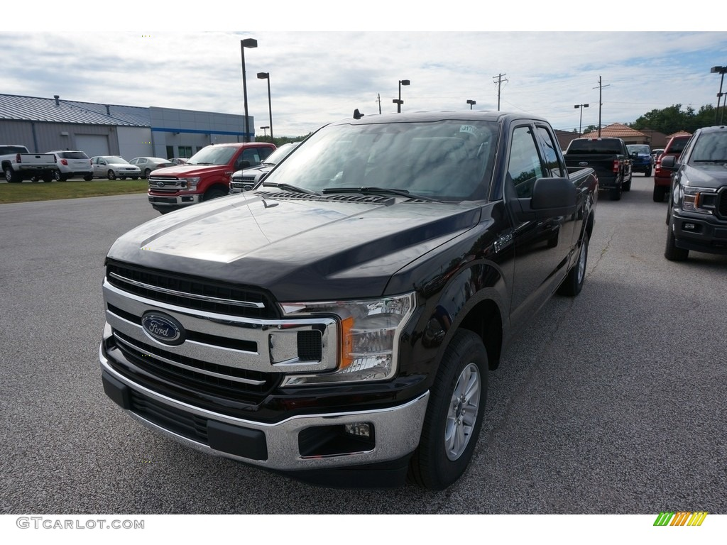 2019 F150 XLT SuperCab - Magma Red / Earth Gray photo #1