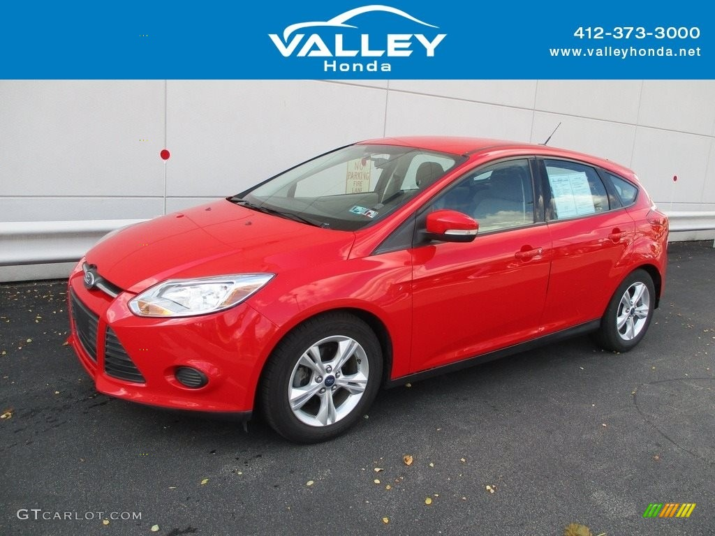 2013 Focus SE Hatchback - Race Red / Medium Light Stone photo #1