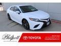 Super White 2018 Toyota Camry SE