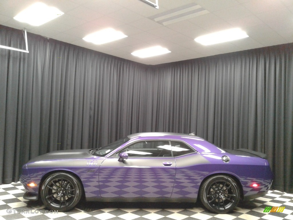 2019 Challenger T/A 392 - Plum Crazy Pearl / Black photo #1