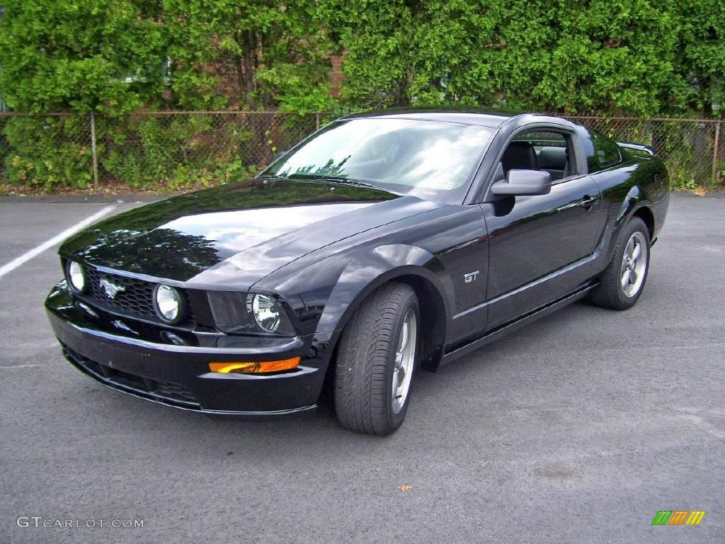 2006 black ford mustang gt premium coupe 13603130. Black Bedroom Furniture Sets. Home Design Ideas