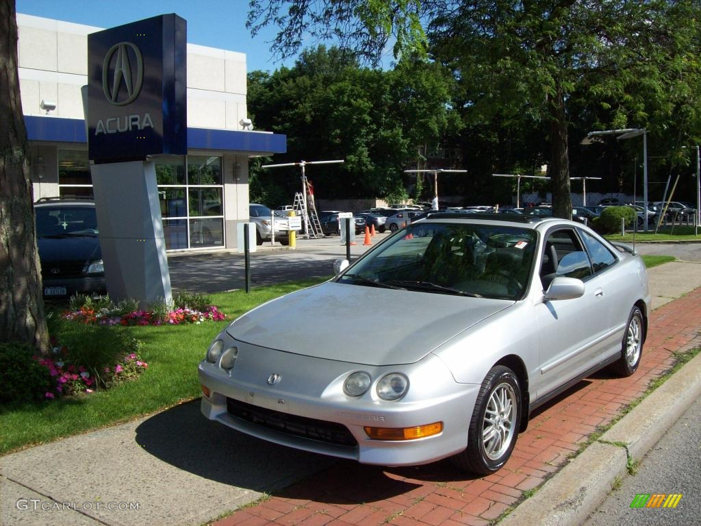 Vogue Silver Metallic Acura Integra GS Coupe - Acura integra gs 2000