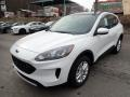 2020 Oxford White Ford Escape SE 4WD  photo #4