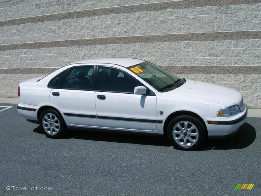 2000 white volvo s40 1 9t 13757151 car. Black Bedroom Furniture Sets. Home Design Ideas
